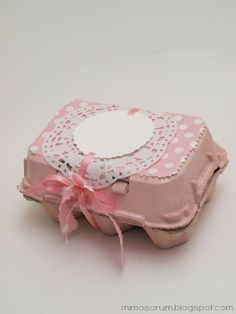 Cómo Envolver un Regalo con una Huevera - DIY: Egg Carton Gifts @María Gálvez {Blog Mimosorum}