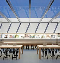 Slender roof covers Apple Store Stanford by Bohlin Cywinski Jackson Metal Roof Colors, Retail Architecture, Glass Structure, Cool Store, Steel Beams, Roof Covering, Steel Roofing, Roof Plan, Retail Interior
