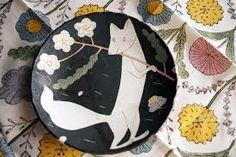 by makoto kagoshima Ceramic Decor, Ceramic Art, Ceramic Plates, Pottery Painting, Ceramic Painting, Japanese Animals, Advanced Ceramics, Kagoshima, Pottery Plates