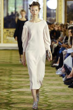 Simone Rocha Spring 2016 Ready-to-Wear Fashion Show
