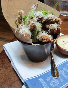 Crisy fried mushrooms w garlicky mayo Fried Mushrooms, Stuffed Mushrooms, Jamie's Italian, Fries, Pudding, Favorite Recipes, Desserts, Food, Essen