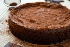 A moist and fudgy flourless chocolate almond cake! Flourless Chocolate Torte, Chocolate Almond Cake, Dark Chocolate Cakes, Almond Cakes, Melting Chocolate, Almond Flower, Ground Almonds, Thanksgiving, Party Ideas