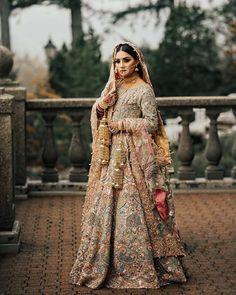 wedding lehenga This Gorgeous Vancouver Wedding Has My Heart Today - Muslim Wedding Dresses, Pakistani Bridal Dresses, Bridal Lehenga, Punjabi Wedding, Desi Wedding, Gothic Wedding, Wedding Wear, Farm Wedding, Wedding Couples