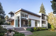 Modern home in Israel reflects Bauhaus and Japanese influences