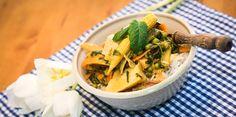 Selbstgemachte Currypaste ist so ein Projekt, an das man sich nicht so recht 'ran traut. Warum? Keine Ahnung, ist eigentlich ganz simpel! ;)