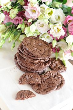 Čokoládové Brownie Cookie Brownie Cookies, Chocolate, Desserts, Kitchen, Recipes, Food, Tailgate Desserts, Deserts, Cooking