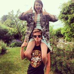 Joe and Zoe Sugg. British Youtubers, Best Youtubers, Joe Sugg Shirtless, Joe And Zoe Sugg, Joseph Sugg, Sugg Life, Siblings Goals, Joey Graceffa, Tyler Oakley