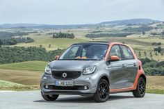 Smart have two new models arriving here in the UK early next year: the new smart fortwo and smart forfour Smart Fortwo, Smart Kit, Smart Forfour, Smart Roadster, 2015 Wallpaper, City Car, Car Videos, Small Cars, Fiat 500