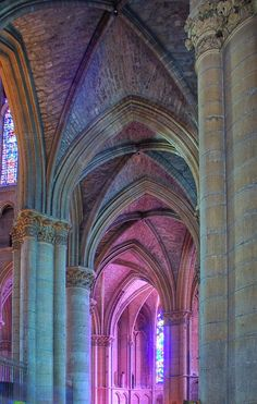 Light in the ambulatory ~ Reims Cathedral, France Architecture Cool, Cathedral Architecture, Reims Cathedral, Cathedral Church, Gothic Cathedral, Beautiful Buildings, Beautiful Places, Old Churches, Place Of Worship