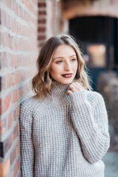 Fall Senior Portraits, Dark Red Lips, Holiday Makeup, Eye Makeup, Turtle Neck, Eyes, Instagram Posts, Beauty, Winter