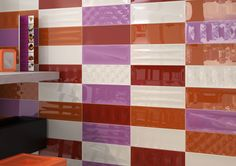 Offered in 10 different colors, Sheen is available in: 5x13 Wall Tile, 5x13 Splash Deco, 5x13 Cool Wall Tile, and 1x13 Pencil.