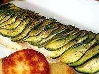 Filet de bar en écailles de courgette - Seulement assaisonné d'huile d'olive,de sel et de poivre, un poisson cuit au four et qui ne sèche pas