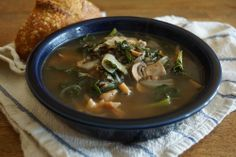 Smoked Chicken, Kale, and Wild Rice Soup — Wisconsin from Scratch Thinly sliced mushrooms are a great addition to this Smoked Chicken, Kale and Wild Rice Soup {Via Sarah Chintomby Chintomby Woolworth} Gourmet Recipes, Soup Recipes, Healthy Recipes, Chicken And Halloumi, Crockpot Chicken And Noodles, Cheesy Chicken Enchiladas, Tortellini Recipes, Leftover Rotisserie Chicken, Wild Rice Soup