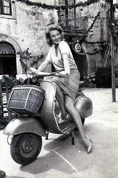 mudwerks: Vespa: Angie Dickinson Italian postcard. Piaggio. Kit Postcards Vespa. Ed Graphicarta, Pontedera. Dickinson was in Italy for at least two films: Jessica (Jean Negulesco, Oreste Palella, 1962), shot in Sicily but also at the Roman DEAR studios, and Rome Adventure (Delmer Daves 1962), starring Suzanne Pleshette.and Troy Donahue.
