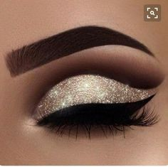 """A little New Year inspiration for you ✨ yes, I'm addicted to glitter ❤️ Brows: waterproof creme color in """"sable"""" Eyeshadows: burnt orange, fudge, noir in my crease and amber on my lid Glitter: Liner: tarteist clay paint liner # makeup eyeliner Login Eye Makeup Tips, Smokey Eye Makeup, Makeup Hacks, Eyeshadow Makeup, Hair Makeup, Makeup Ideas, Makeup Tutorials, Makeup Brushes, Eyeshadow Palette"""
