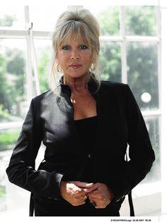 gorgeous Pattie Boyd