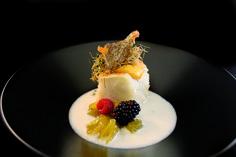 Crocante de bacalao  con sopa fría de  parmesano y mango Barra-Rte. Montíboli. #Elche #visitelche #destapateelche #gastronomia #ocio #restaurantes #concurso