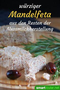 Wohin mit dem Trester selbst gemachter Mandelmilch? Mit diesem Rezept kannst du sie zu würzigem, veganem Mandelfeta verarbeiten!