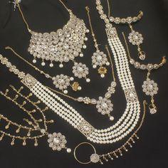 DEEPSHIKHA BRIDAL NECKLACE SET  by Indiatrend. Shop Now at WWW.INDIATRENDSHOP.COM