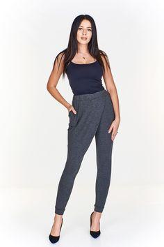 Dámské pohodlné kalhoty. Pas zakončen gumou, nohavice náplety. Harem Pants, Jumpsuit, Dresses, Fashion, Overalls, Vestidos, Moda, Harem Jeans, Monkeys