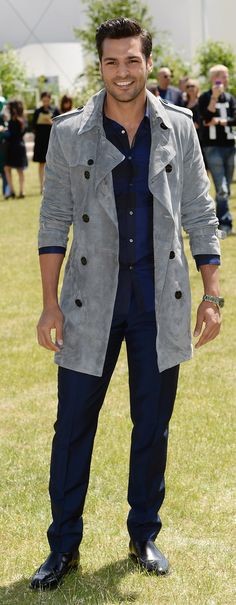 Turkish model Serkan Çayoğlu wearing Burberry to attend the Menswear S/S16 .