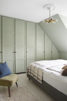 The Nordroom - Attic Bedroom with Built-In Closet Space in A Colorful Vintage Home in Denmark Bedroom Green, Home Bedroom, Master Bedroom, Bedroom Decor, Bedroom Ideas, Master Suite, Bedroom Boys, Bedroom Small, Bedroom Furniture Sets