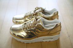 Nike air max liquid gold. Siiick.