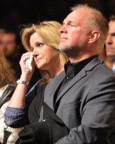 George Jones Memorial - Trisha Yearwood and Garth Brooks