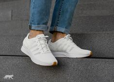 Nike Flyknit Trainer, Kicks, Adidas Stan Smith, Adidas Sneakers, Ootd, White White, My Style, Brown, Shoes