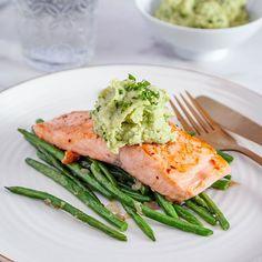 Den här rätten är lättlagad, nyttig och god. Ibland är det enkla verkligen det bästa! Aperol Spritz Recept, 5 2 Diet, Date Dinner, Halloumi, Pesto, Green Beans, Seafood, Food And Drink, Healthy Recipes