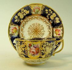 ANTIQUE COALPORT HAND PAINTED PORCELAIN CUP & SAUCER C.1820 My all time favourite Coalport pattern   This one looks like a large Breakfast cup