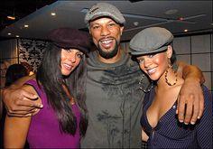 Il rapper Common indossa la nostra coppola con Rihanna e Alicia Keys a New York, 2006 - The rapper Common with Rihanna and Alicia Keys wearing our coppola in New York, 2006 :) #lacoppolastorta #coppola #common #rihanna #aliciakeys #newyork #fashion #shows