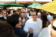 Felicidades a todos, y en especial, a ustedes los medios de comunicación, con mi amplio reconocimiento por su trabajo y por su contribución, expresó el gobernador Javier Duarte de Ochoa a todos los veracruzanos