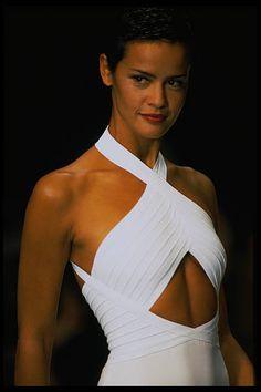 Nadege Du Bospertus / Herve Leger Runway Show Fashion Killa, 90s Fashion, Couture Fashion, Runway Fashion, High Fashion, Vintage Fashion, Fashion Looks, Fashion Outfits, Solange