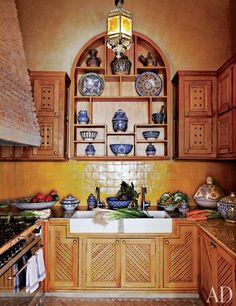 Beautiful wood / Moroccan kitchen