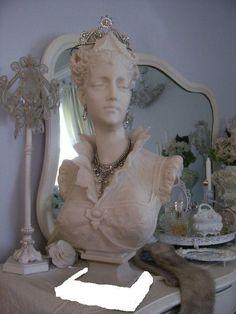 Marie Antoinette Bust
