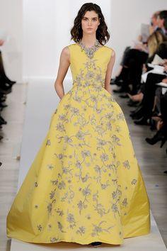 Oscar de la Renta's finale dress for his Pre-Fall 2013 collection