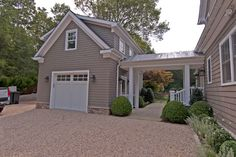 Mother-In-Law Suite Garage and Shed Design Ideas, Pictures, Remodel & Decor - Houses interior designs 2 Story Garage, Plan Garage, Carport Garage, Garage House, Garage Office, Dream Garage, Garage Workbench, Garage With Loft, Car Office