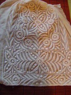 Image issue du blog quinteuseforever. Motif de broderie bretonne au point d'échelle