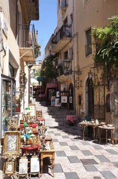 Italy Travel Inspiration - Taormina, Sicily #italytravelinspiration #ItalyVacation