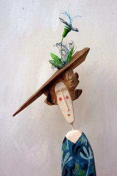 drewniane figury Lynn Muir czyli co można zrobić z  kawałków drewna Old Wood Projects, Art Projects, Paper Dolls, Art Dolls, Polymer Clay Figures, Sculpture Painting, Wood Creations, Picture On Wood, Recycled Wood