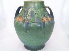 Roseville Pottery Baneda Green Vase by HunyaBunyaTreasures on Etsy Blue In Green, Roseville Pottery, Green Vase, Pretty Art, 1930s, Etsy Seller, Artisan, Handmade Items, Etsy Shop