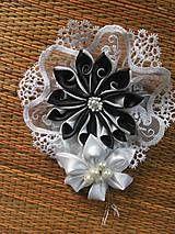 Odznaky/Brošne - Broš - 6358380_ Rings, Floral, Flowers, Handmade, Jewelry, Hand Made, Jewellery Making, Jewerly, Jewelery