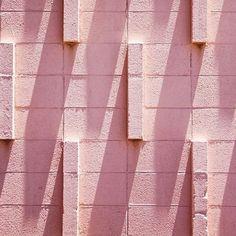 I feel pink.  #michaelchase #pink #rosa #pinkbricks #inspiration #pattern #beautiful #gorgeous #wallporn #instaart #colorful #bblogger #mallorcablogs #palmademallorca #palma #mallorca #mallorcastyle #palmalife #mallorca2016 #mallorcatestim #luxmallorca #lifestyle #estilodevida #estilo #tendencias #beautyaddict #lifestyleblogger #igersmallorcafashion #silkevonrolbiezki #sileandtherabbit  Image by Michael Chase by sileandtherabbit