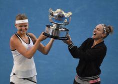 Blog Esportivo do Suíço:  Mattek-Sands e Safarova são campeãs nas duplas do Aberto da Austrália