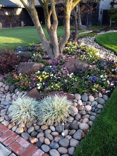 Gorgeous Front Yard And Backyard Landscaping A Low Budget can find Yard design and more on our website.Gorgeous Front Yard And Backyard Landscaping A Low Budget 16 Landscaping With Rocks, Landscaping Tips, Courtyard Landscaping, Outdoor Landscaping, Acreage Landscaping, Shade Landscaping, Mailbox Landscaping, Gardening With Rocks, Landscaping With River Rock