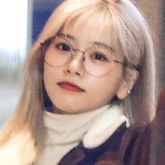 Jiu Dreamcatcher, Kpop Girls, Red Velvet, Lesbian, Girlfriends, Dream Catcher, Icons, Beautiful, Bubbles