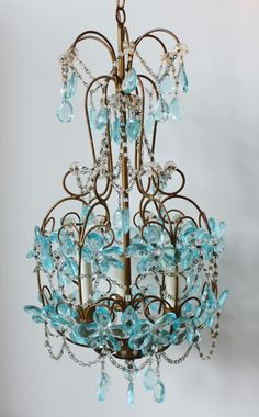 Décor de Provence: The Perfect Vintage Chandelier