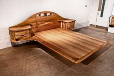 Elm bed By Rob Elliot Furniture. | WoodworkerZ.com
