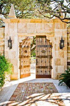 inset brick walkway - Casa Espanola, Austin. Braswell Architecture.